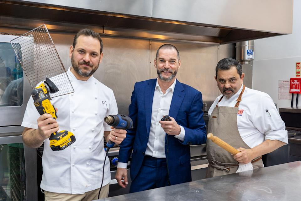 Fred Siriex with Tristan & Cyrus in Snackmasters (C4)