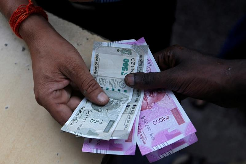 Rupee Rises 10 Paise to 71.40 Against US Dollar in Early Trade