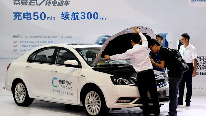 Chinese chauffeur-driven ride-hailing platform Caocao launches trial service in Paris as rivalry heats up at home