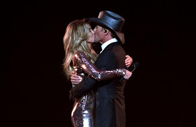 Faith Hill and Tim McGraw perform during the 52nd Academy of Country Music Awards on April 2, 2017, in Las Vegas. (Photo: Ethan Miller/Getty Images)