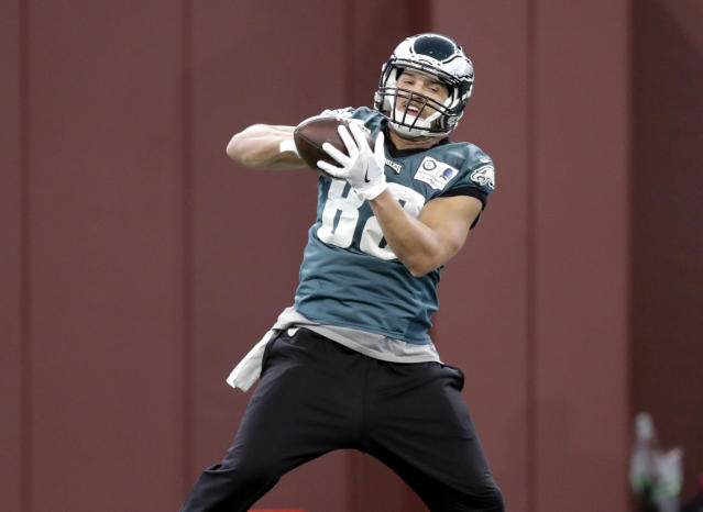 The Bears have agreed to a deal with former Eagles tight end Trey Burton. (AP)