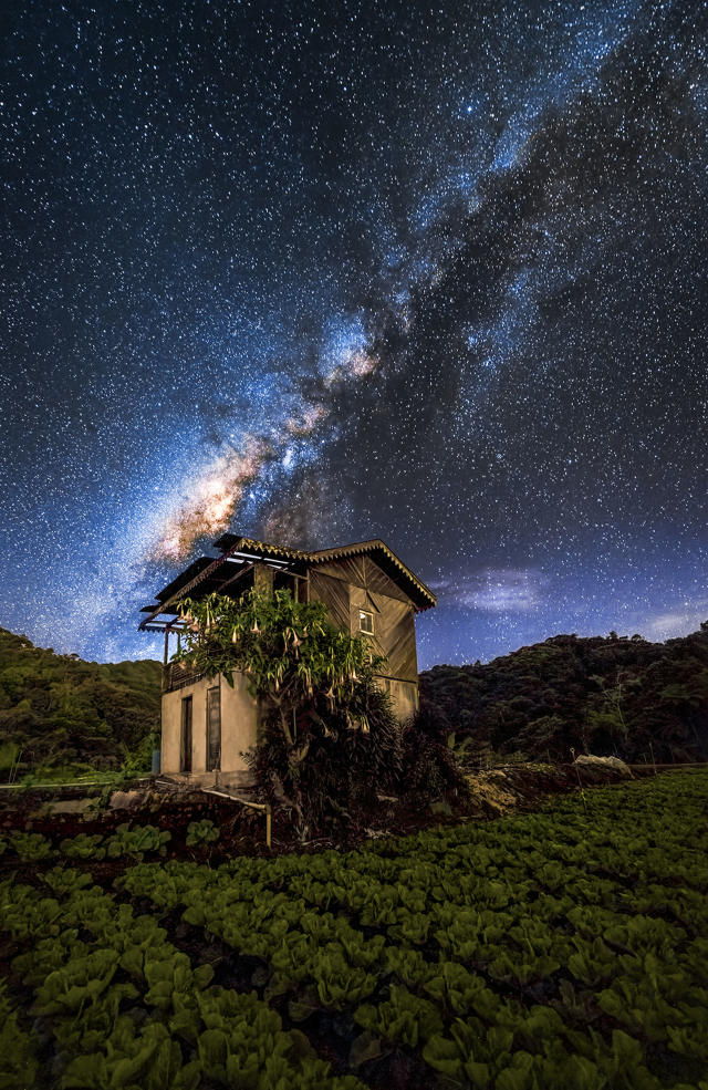 <p>Some of steves other night sky photography – Cameron Highlands- Malaysia. (Photo: Steve Lance Lee/Caters News) </p>