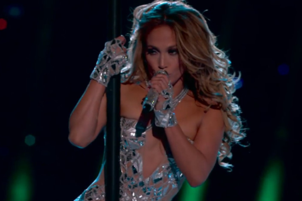 super bowl halftime jennifer lopez