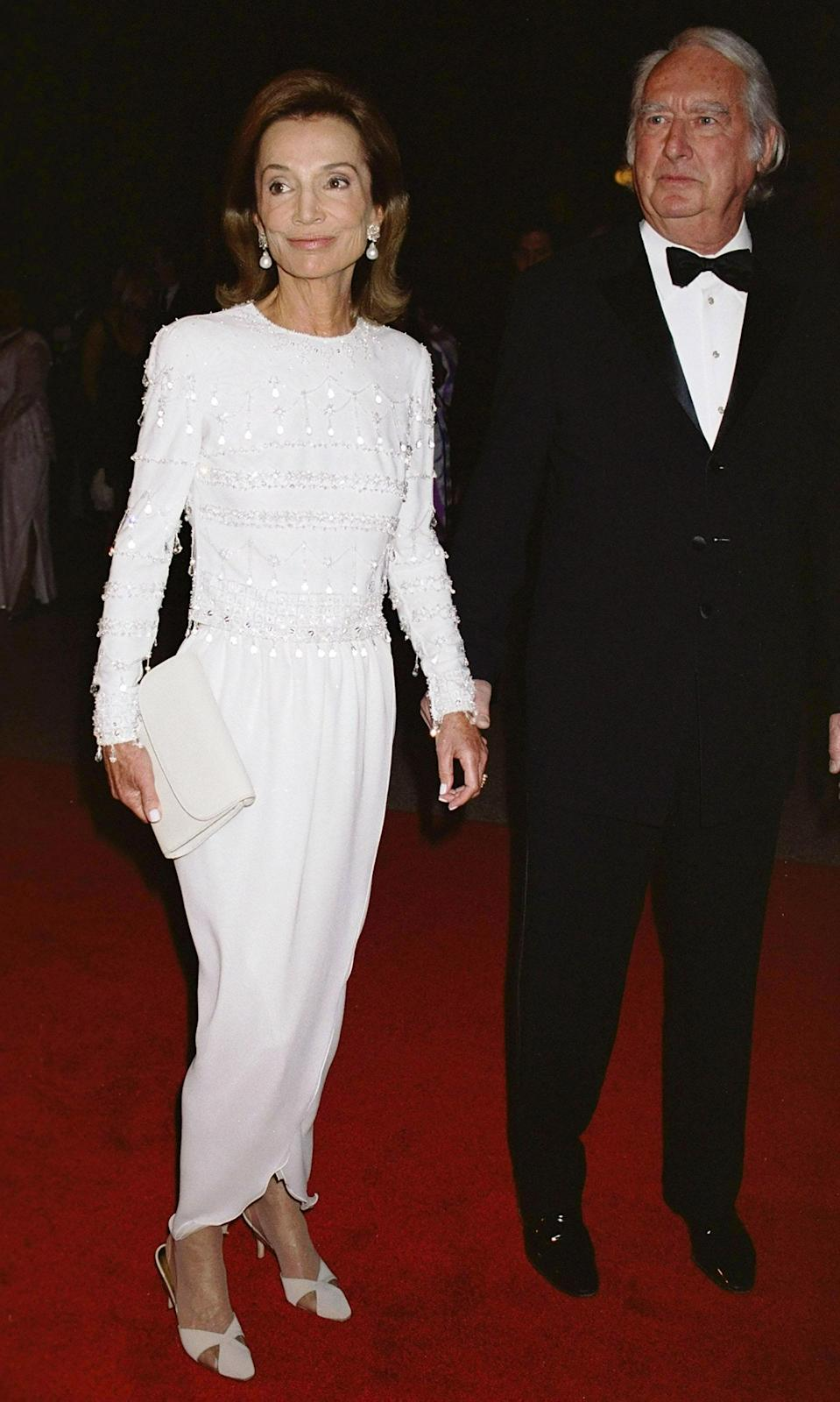 """<h1 class=""""title"""">Lee Radziwill in Armani, 2000</h1><cite class=""""credit"""">Photo: Getty Images</cite>"""