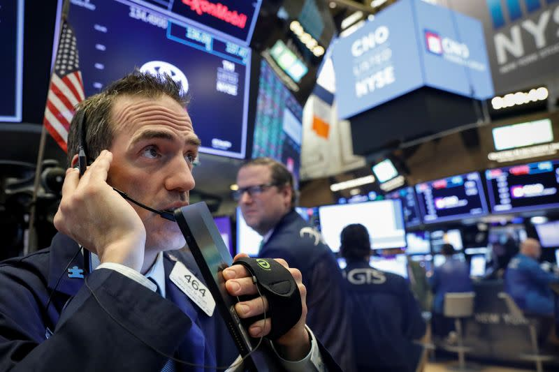 Stocks, oil fall further on accelerating coronavirus concerns