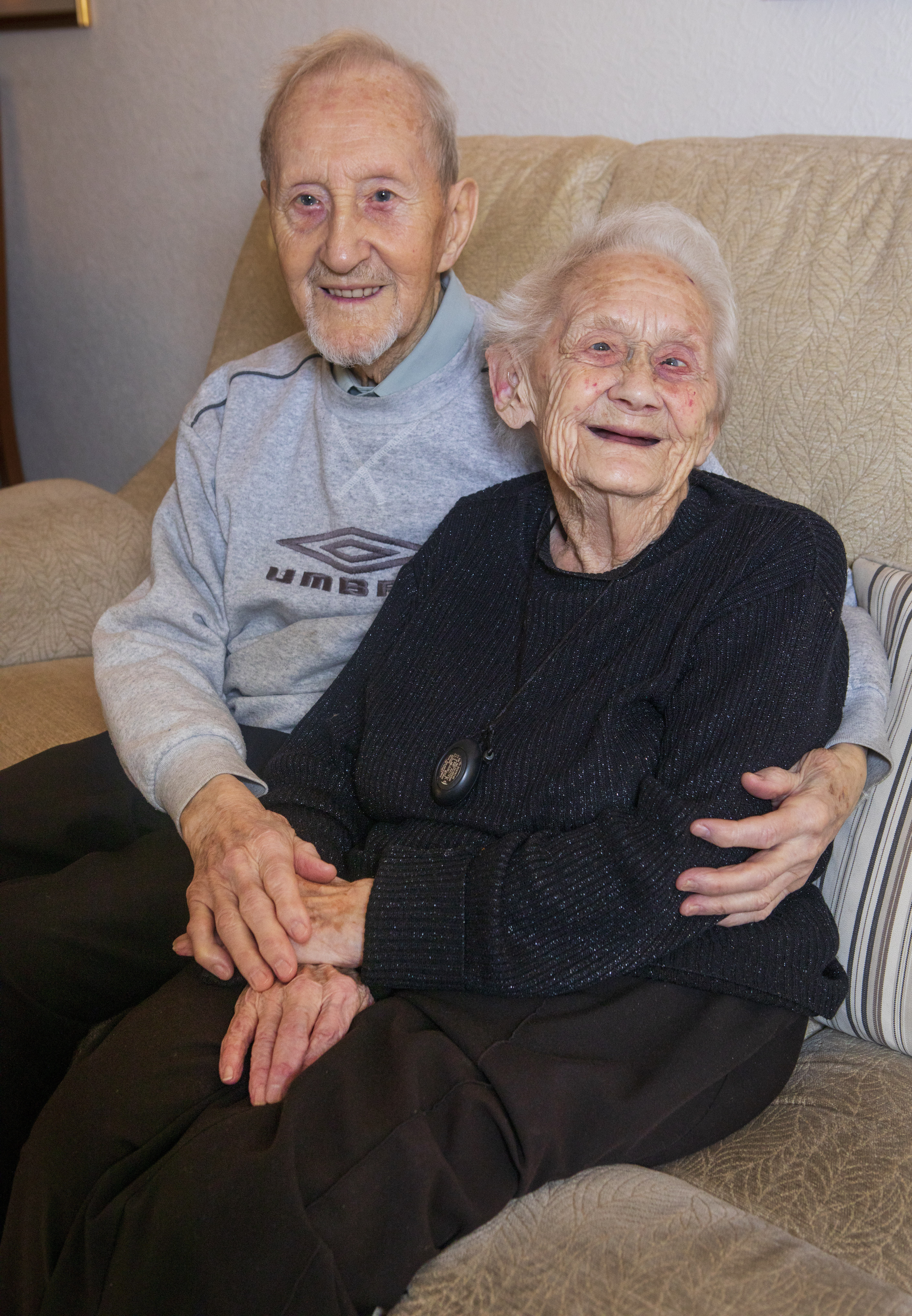 Robert, 93, and Alison Snaddon, 91, are celebrating their 75th wedding anniversary. [Photo: SWNS]