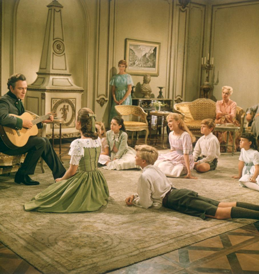 """<a href=""""http://movies.yahoo.com/movie/contributor/1800016460"""">Christopher Plummer</a>, <a href=""""http://movies.yahoo.com/movie/contributor/1800010417"""">Julie Andrews</a>, <a href=""""http://movies.yahoo.com/movie/contributor/1800064001"""">Eleanor Parker</a>, <a href=""""http://movies.yahoo.com/movie/contributor/1809216979"""">Charmian Carr</a>, <a href=""""http://movies.yahoo.com/movie/contributor/1809542980"""">Kym Karath</a>, <a href=""""http://movies.yahoo.com/movie/contributor/1800090666"""">Angela Cartwright</a>, <a href=""""http://movies.yahoo.com/movie/contributor/1800016571"""">Nicholas Hammond</a>, <a href=""""http://movies.yahoo.com/movie/contributor/1800044039"""">Heather Menzies</a>, <a href=""""http://movies.yahoo.com/movie/contributor/1808869851"""">Duane Chase</a> and <a href=""""http://movies.yahoo.com/movie/contributor/1808947708"""">Debbie Turner</a> in 20th Century Fox's <a href=""""http://movies.yahoo.com/movie/1800119695/info"""">The Sound of Music</a> - 1965"""