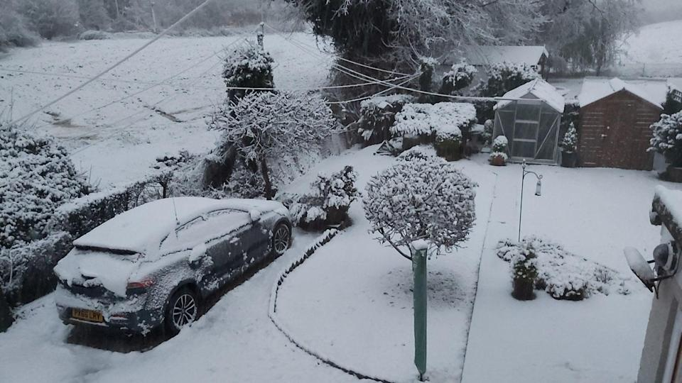 <p>Snow in Halstead, Essex, this morning</p> (Neil Smith)