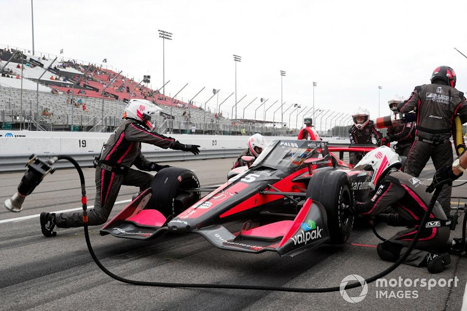 "Alex Palou, Dale Coyne Racing with Team Goh Honda, pit stop<span class=""copyright"">Michael L. Levitt LAT Photo USA</span>"