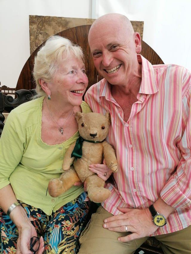Wartime teddy bear to go under the hammer