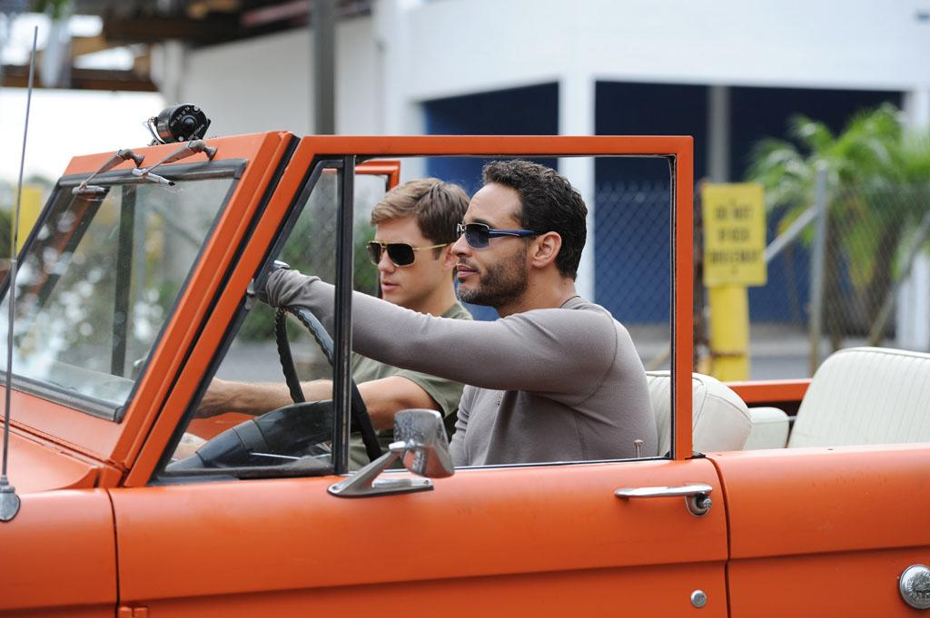"Aaron Tveit as Mike Warren and Daniel Sunjata as Paul Briggs in the ""Graceland"" episode, ""Guadalaljara Dog."""