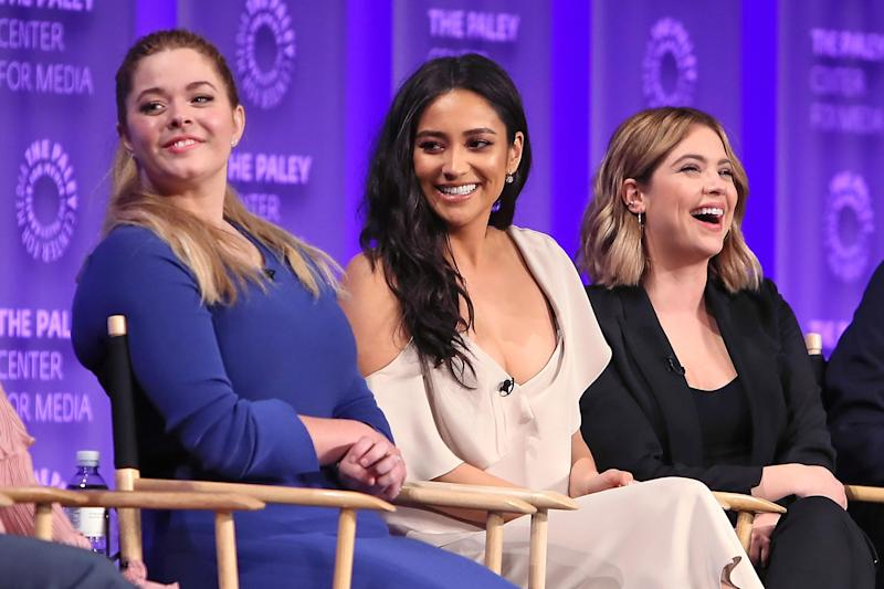 'Pretty Little Liars': 9 things we learned from the Paleyfest panel