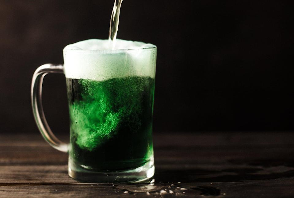 "<p> While green isn't normally the beer color people go for, on St. Patrick's Day, it's totally acceptable. </p> <p> <a href=""http://media1.popsugar-assets.com/files/2021/02/12/033/n/1922507/de662a2761903d0a_patrick-fore-j8bW-jBWF8g-unsplash/i/st-patricks-day-zoom-backgrounds.jpg"" class=""link rapid-noclick-resp"" rel=""nofollow noopener"" target=""_blank"" data-ylk=""slk:Download this Zoom background image here."">Download this Zoom background image here.</a> </p>"