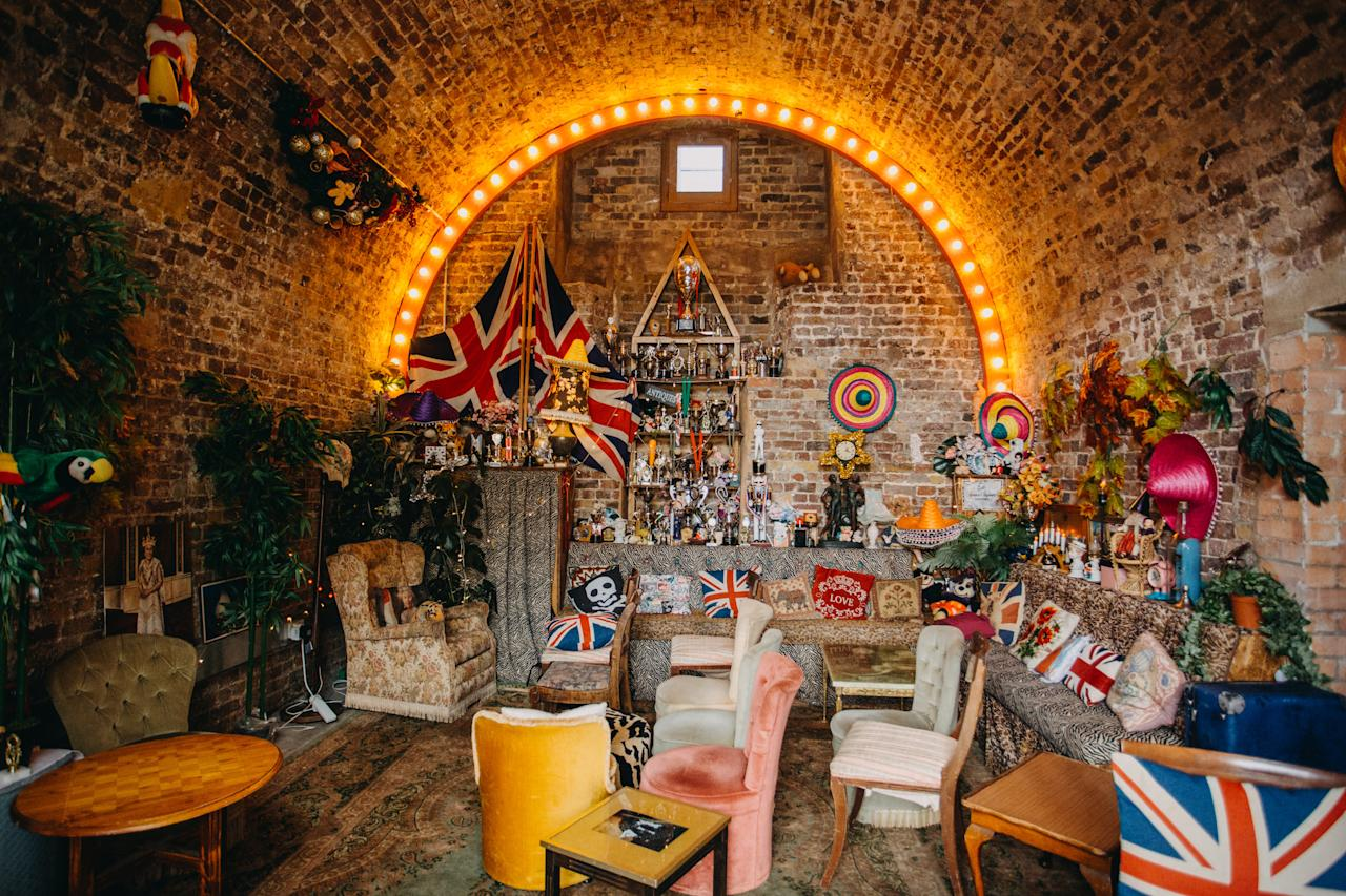 """<p>For those of you on the hunt for a more quirky atmosphere, make sure to check out Little Nan's in Deptford for a two-hour boozy bottomless brunch. The hipster haunt will be live-streaming the royal wedding from the Pub Room and guests can enjoy themed cocktails such as the Prince Harry Teapot or the Queen Pat Butcher Cocktail. Tickets cost £45 and you'll receive a complimentary royal mug. See you there. <br /><br /><br />To book, check out the Facebook <a rel=""""nofollow"""" href=""""https://www.facebook.com/events/466119837156620/"""">page</a>. <em>[Photo: Little Nan's]</em> </p>"""