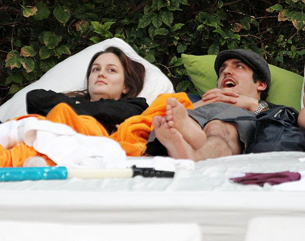 """Gossip Girl's"" Queen B, Leighton Meester fits in a little rest and relaxation by the pool at The Shore Club in Miami Beach, Florida. O'Neill/White/<a href=""http://www.infdaily.com"" target=""new"">INFDaily.com</a> - December 30, 2009"