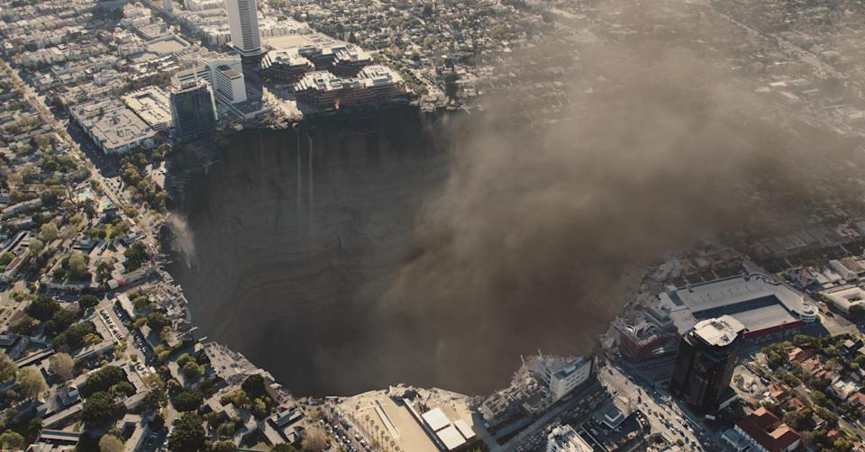 After: The mysterious sinkhole was added in through VFX, apparently sparing the Petersen auto museum and SAG headquarters, but not LACMA or the La Brea tar pits