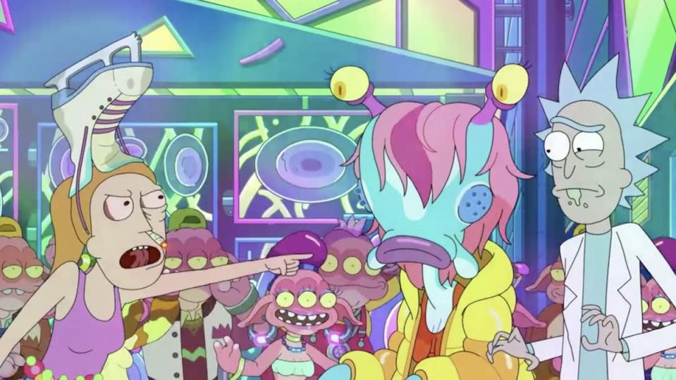 Summer wears a figure skate on her head and has a joint in her nose while she yells at Rick and his alien girlfriend on Rick and Morty