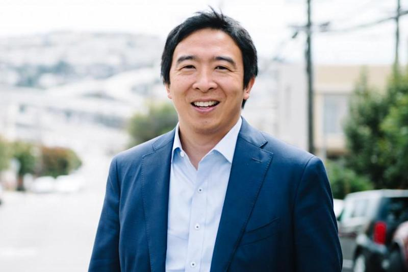 """Andrew Yang identifies as """"ex-Goth,"""" challenges Beto O'Rourke to skate-off"""