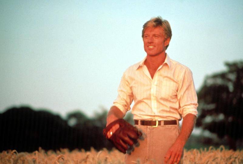 Robert Redford strikes a ballplayer pose in 'The Natural' (Photo: Courtesy Everett Collection)