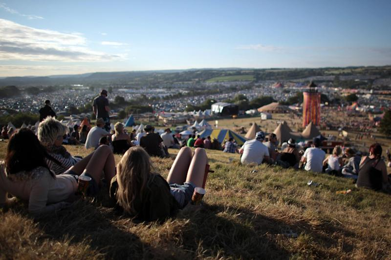 The Met office has warned Glastonbury Festival goers to protect themselves against this weekend's scorching conditions. (Matt Cardy/Getty Images)
