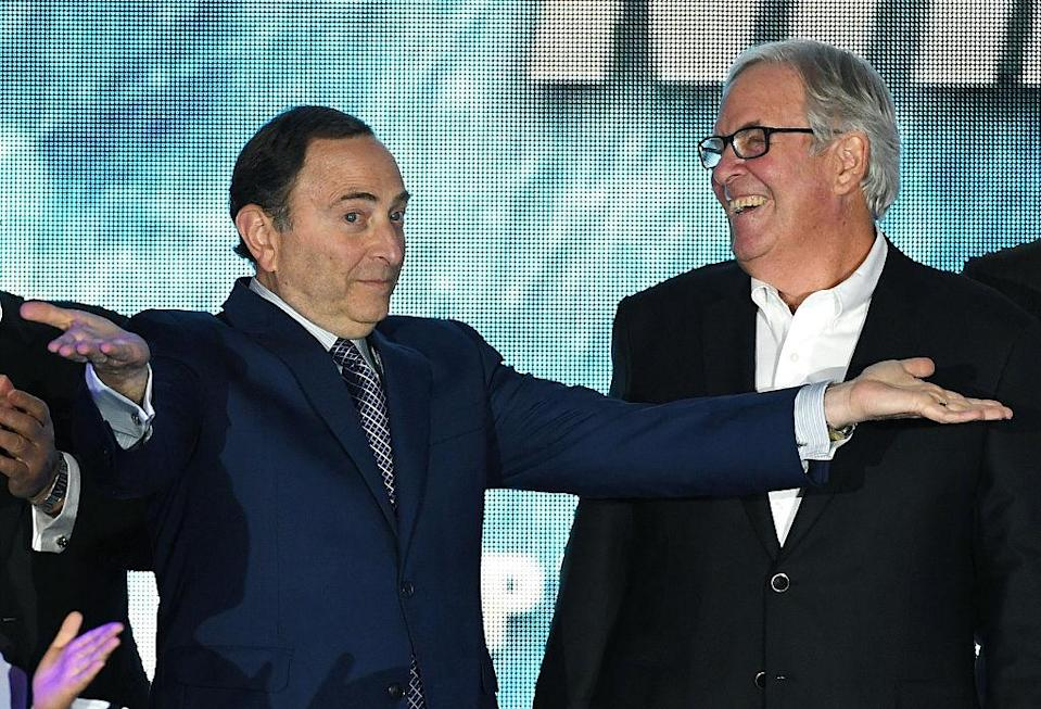 LAS VEGAS, NV - NOVEMBER 22: NHL Commissioner Gary Bettman (L) encourages people to boo him as majority owner Bill Foley looks on before the Vegas Golden Knights was announced as the name for Foley's Las Vegas NHL franchise at T-Mobile Arena on November 22, 2016 in Las Vegas, Nevada. The team will begin play in the 2017-18 season. (Photo by Ethan Miller/Getty Images)