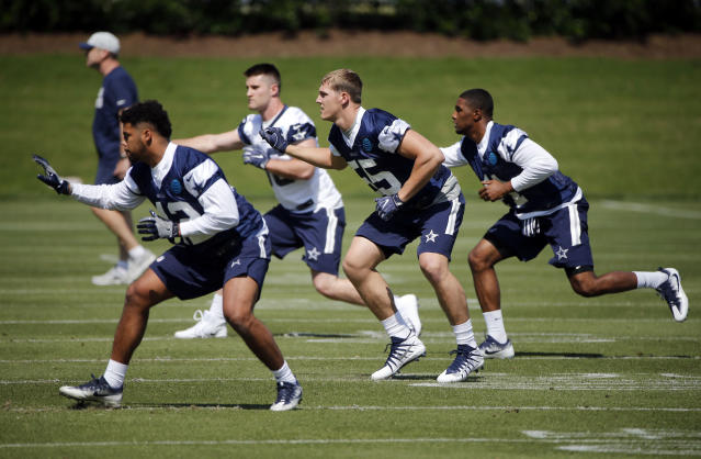 Dallas Cowboys inebacker Ed Shockley (42), tight end Dalton Shultz (86), Leighton Vander Esch (55) and linebacker Kyle Queiro (41) go through drills during the team's NFL football rookie minicamp in Frisco, Texas on Friday, May 11, 2018 (AP Photo/Michael Ainsworth)