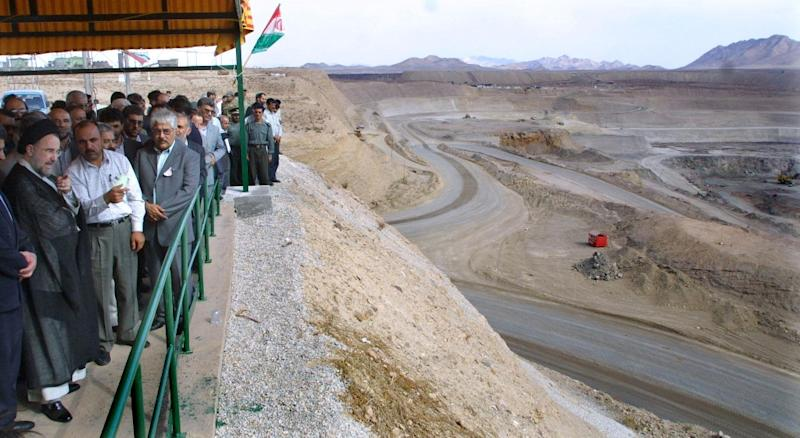 Iran's former president Mohammad Khatami visits Iran's Golgohar mine, one of the country's largest sources of iron ore, in 2002 (AFP Photo/BEHROUZ MEHRI)
