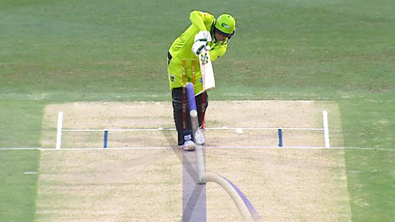 Sydney Thunder batsman Usman Khawaja got away with murder in the fourth ball of BBL09, with this called not-out by the umpire. Picture: Channel 7