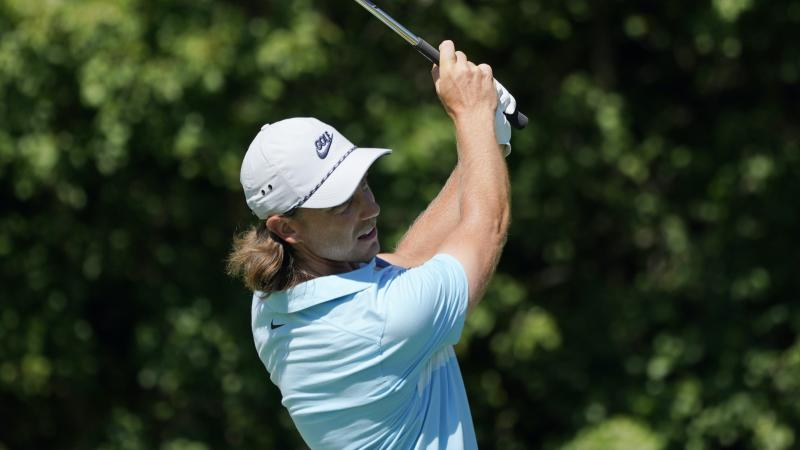 Tommy Fleetwood drops from first to 12th in final two holes at Northern Trust