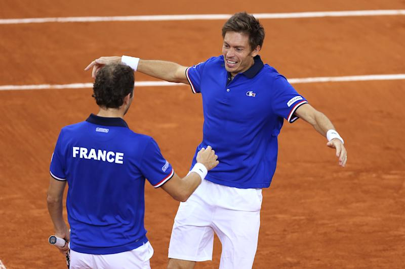 Tennis - France defeat Britain to reach Davis Cup semis