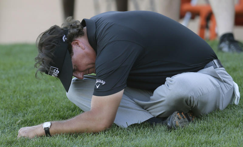 Mickelson withdraws from Texas Open
