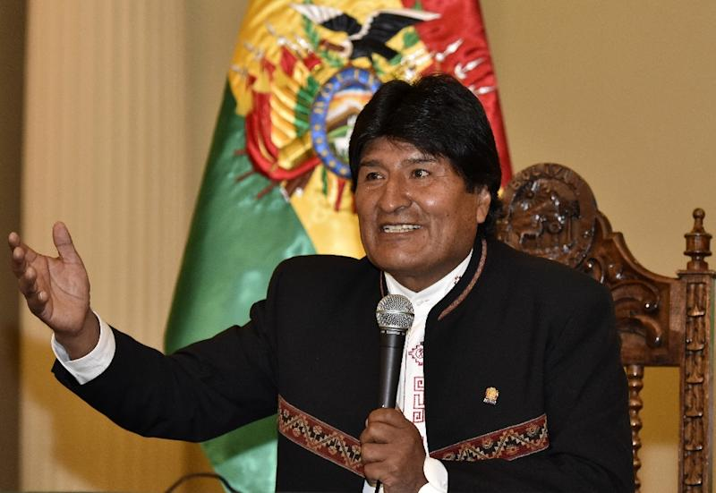 Bolivian President Evo Morales answers questions from the press at Quemado palace in La Paz on February 22, 2016 (AFP Photo/Aizar Raldes)