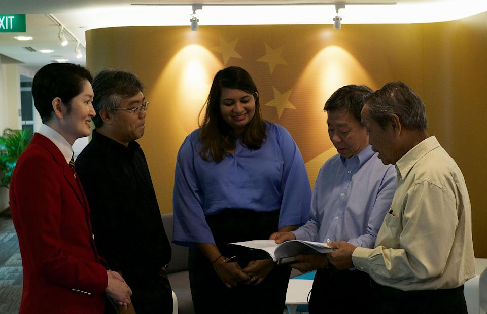 Gene Tan (far left), executive director of the Singapore Bicentennial Office, along with advisory panel members Sujatha Selvakumar (centre) Professor Tan Tai Yong (second from right) and Yatiman Yusof (far right). (PHOTO: Dhany Osman / Yahoo News Singapore)