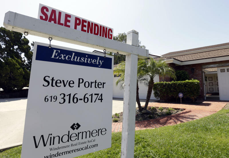 US pending home sales fall for 3rd straight month
