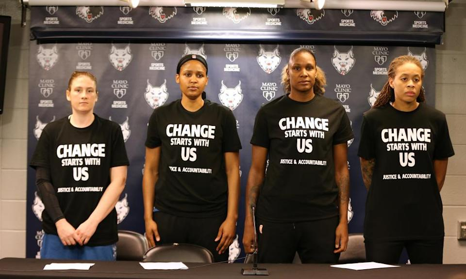 Maya Moore and other Minnesota Lynx team mates protesting