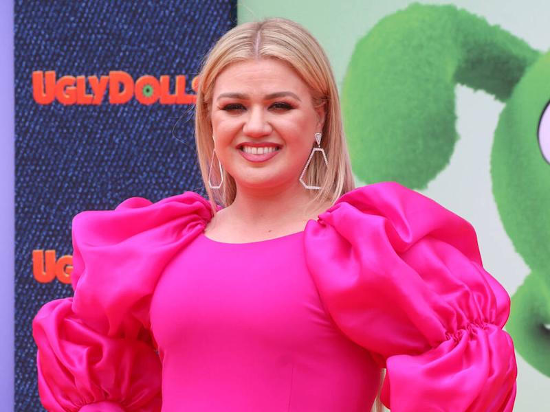 Kelly Clarkson excited to gamble with Las Vegas paychecks