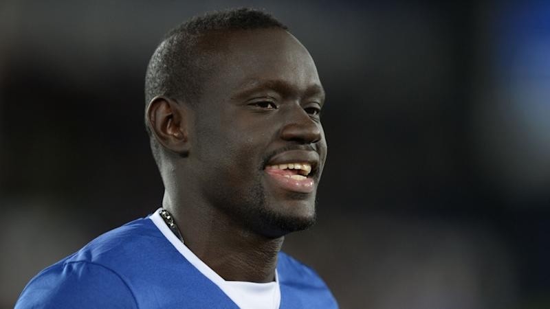 Tales of two Senegalese: Niasse scores, Gueye sent off as Everton bow to Arsenal