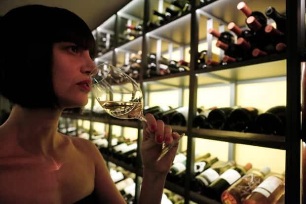 British researchers examined wine lists at 249 restaurants in and around London and drew some interesting conclusions about which wines present the best value for money.  (John Kolesidis/Reuters - image credit)