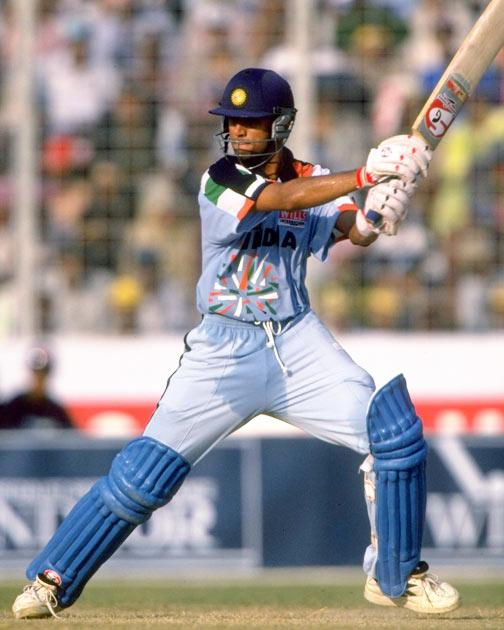 He also used to 'keep wickets at the school level, but he soon focussed solely on his batting on advice from former Test players Gundappa Vishwanath, Roger Binny, Brijesh Patel and his coach Keki Tarapore.