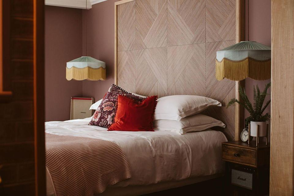 """<p>A <a href=""""https://www.redonline.co.uk/travel/inspiration/g35117270/new-hotels-opening-uk/"""" rel=""""nofollow noopener"""" target=""""_blank"""" data-ylk=""""slk:new opening for 2021"""" class=""""link rapid-noclick-resp"""">new opening for 2021</a>, The Rabbit Hotel is a sister hotel to the well-established <a href=""""https://go.redirectingat.com?id=127X1599956&url=https%3A%2F%2Fwww.booking.com%2Fhotel%2Fgb%2Fgalgorm-resort-amp-spa.en-gb.html%3Faid%3D2070929%26label%3Dbest-northern-ireland-hotels&sref=https%3A%2F%2Fwww.redonline.co.uk%2Ftravel%2Fg36566718%2Fbest-hotels-in-northern-ireland%2F"""" rel=""""nofollow noopener"""" target=""""_blank"""" data-ylk=""""slk:Galgorm Spa & Resort"""" class=""""link rapid-noclick-resp"""">Galgorm Spa & Resort</a>. This <a href=""""https://www.redonline.co.uk/travel/g504719/boutique-hotels-london/"""" rel=""""nofollow noopener"""" target=""""_blank"""" data-ylk=""""slk:boutique hotel"""" class=""""link rapid-noclick-resp"""">boutique hotel</a> is situated in an idyllic lakeside location just 20 minutes from Belfast so it's the ideal base for those looking to explore both the city and countryside. </p><p>The rooms are super-stylish and you can enjoy evenings at the hotel's restaurant, Rabbit Restaurant, or the Hunter's Bar. You won't want to miss the hotel spa, the Relaxation Burrow, which overlooks the tranquil lake and comes complete with a Swedish sauna, aroma steam room, halotherapy salt chamber, hydrotherapy bath and hot tub.</p><p><a class=""""link rapid-noclick-resp"""" href=""""https://www.rabbithotel.com/"""" rel=""""nofollow noopener"""" target=""""_blank"""" data-ylk=""""slk:BOOK NOW"""">BOOK NOW</a></p>"""