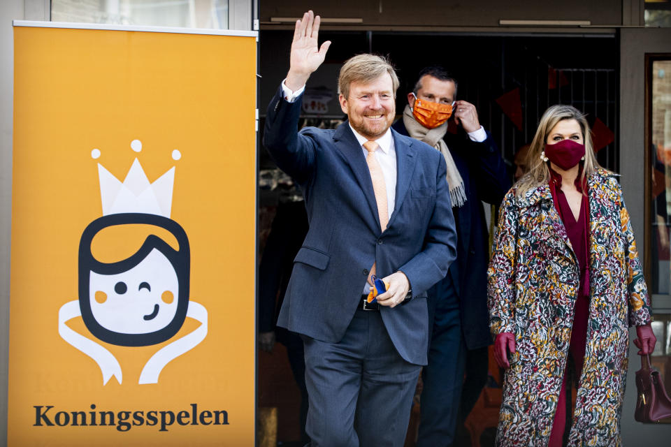 AMERSFOORT, NETHERLANDS - APRIL 23: King Willem-Alexander of The Netherlands and Queen Maxima of The Netherlands attend the start Kingsgames at Child Center Vlinderslag  on April 23, 2021 in Amersfoort, Netherlands.  on April 23, 2021 in Amersfoort, Netherlands. (Photo by Patrick van Katwijk/BSR Agency/WireImage)