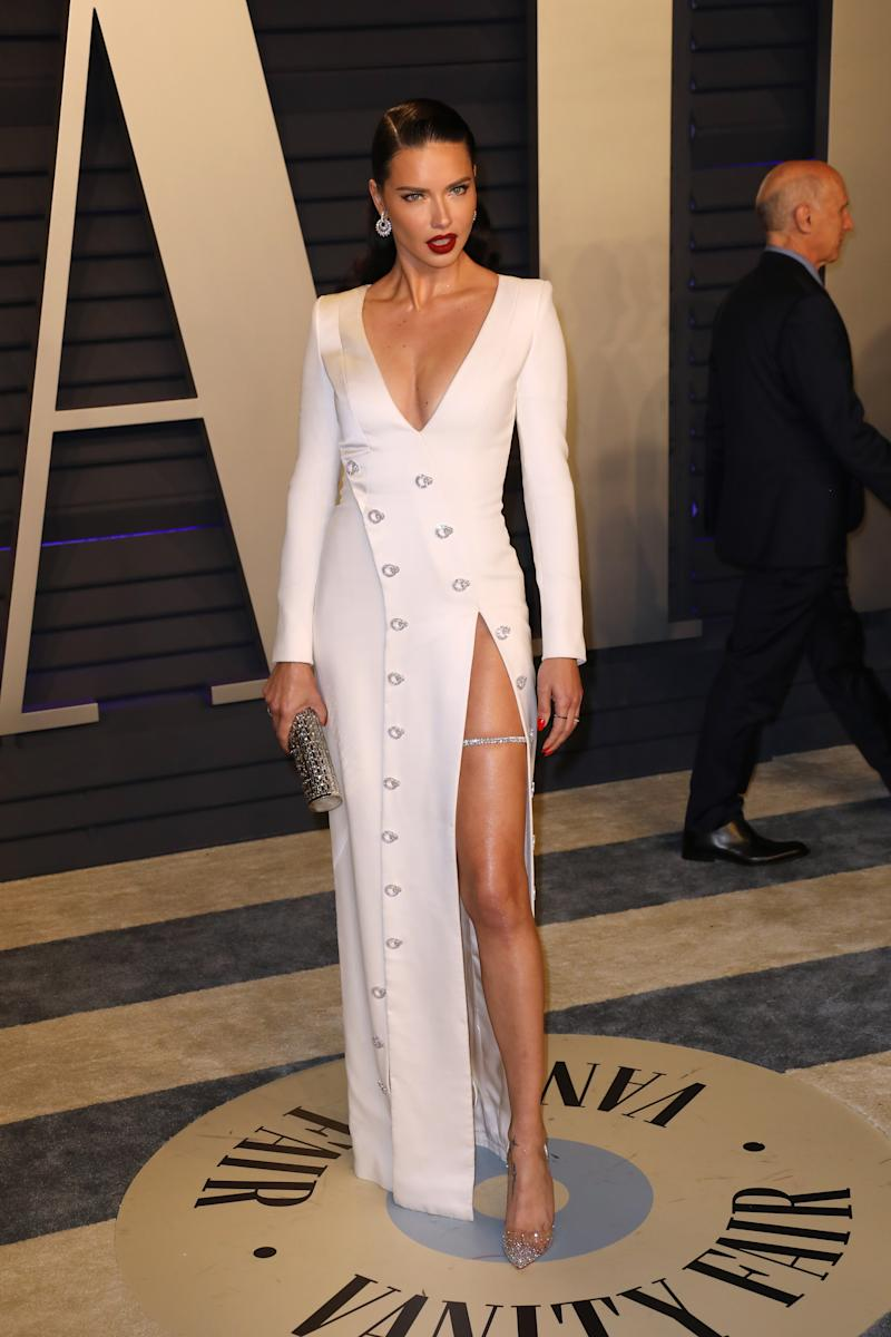 BEVERLY HILLS, CALIFORNIA - FEBRUARY 24: Adriana Lima attends the 2019 Vanity Fair Oscar Party hosted by Radhika Jones at Wallis Annenberg Center for the Performing Arts on February 24, 2019 in Beverly Hills, California. (Photo by Tony Barson/FilmMagic)