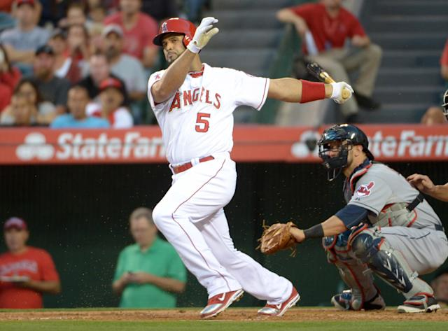 After 500, Albert Pujols pauses to thank those who helped him reach milestone