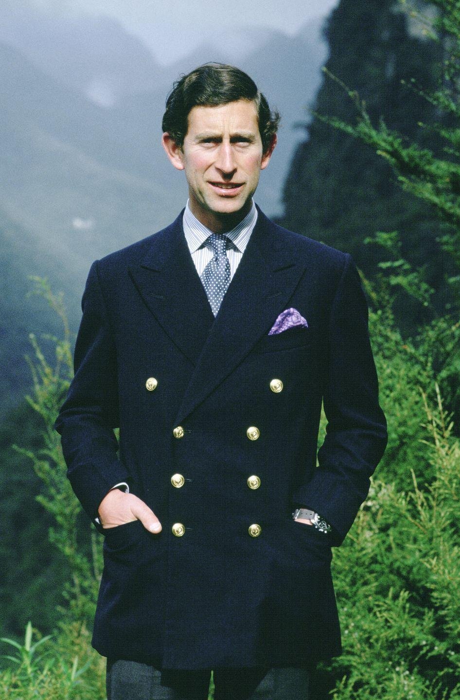 <p>Prince Charles wearing an admiral style blazer in 1981.</p>