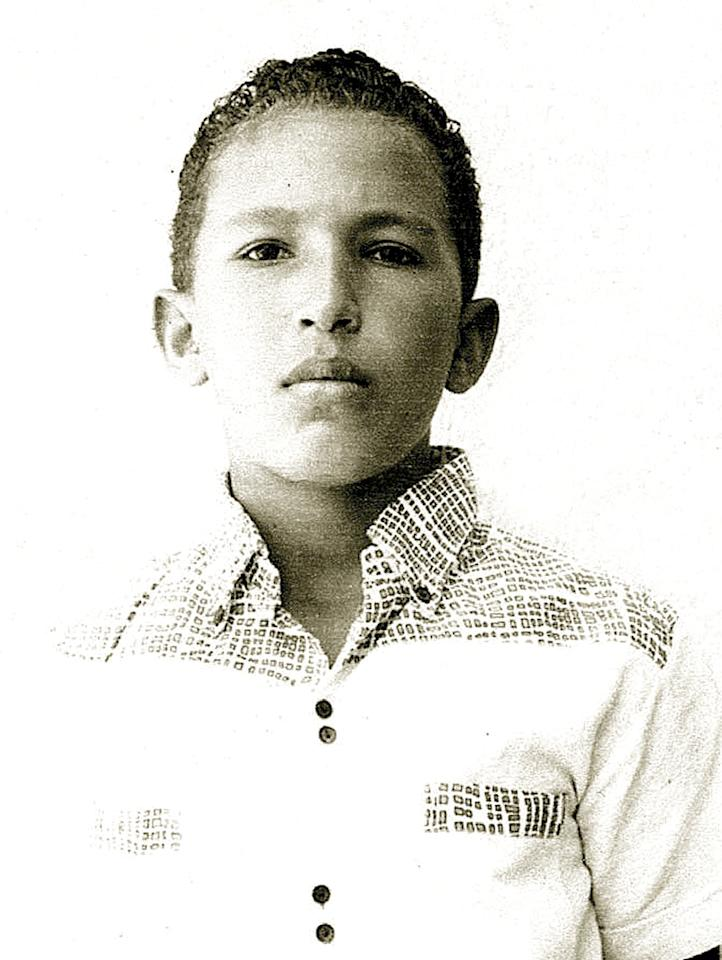 Young Chavez first aspired to be a painter or pitcher in the U.S. Major Leagues.