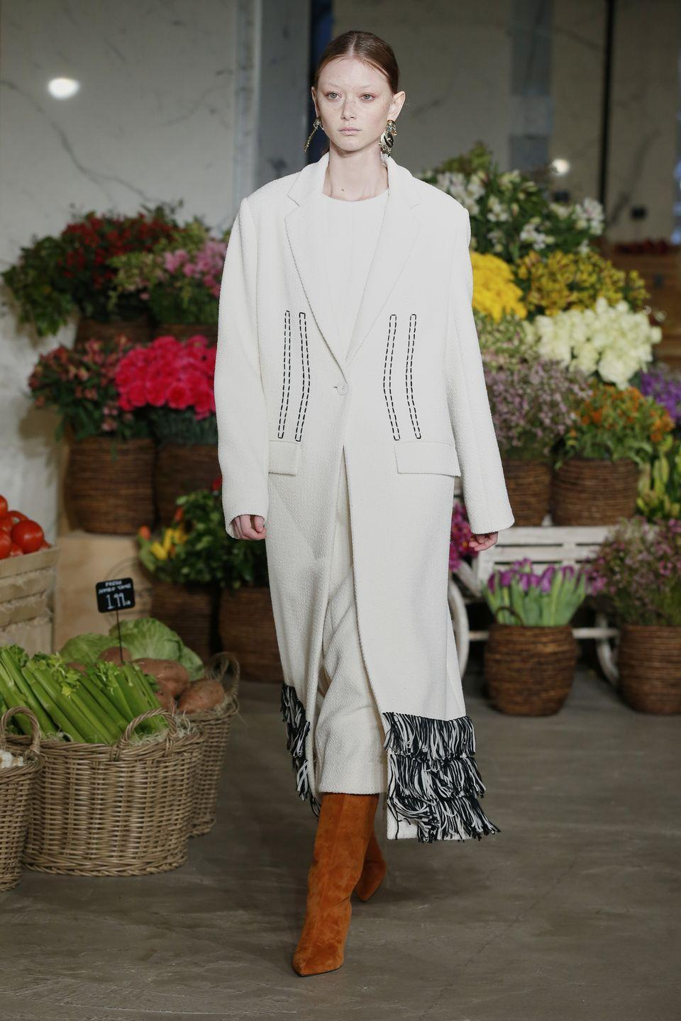 "<p>For autumn/winter 2021, Jason Wu presented a trip to ""Mr. Wu's Grocery Store' – an uplifting runway that took us on a journey through the aisles of a (decidedly chic) supermarket. The beauty look was pared-back but not totally bare-skinned, with a creamy neutral eyeshadow, just a shade or two darker than each model's skin tone, washed right around the eye to create lived-in definition.</p>"