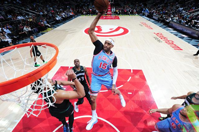 Vince Carter can still dunk and shoot, so why not run one more? (Getty)