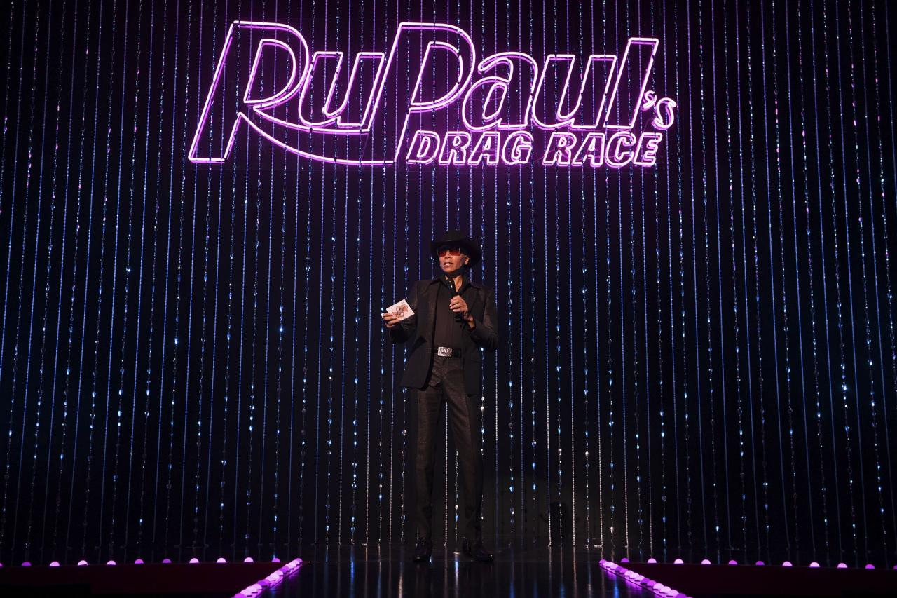 """Sin City just got snatched! <a href=""""https://www.ticketmaster.com/artist/1841269?venueId=467116""""><em>RuPaul's Drag Race Live!</em></a> opened Thursday, Jan. 30, at the Flamingo Las Vegas Hotel and Casino, and <em>the</em> queen herself, <a href=""""https://ew.com/tag/rupaul/"""">RuPaul</a>, welcomed the audience, which serves, essentially, as the judge of an """"episode"""" of the <a href=""""https://ew.com/creative-work/rupauls-drag-race/"""">Emmy-winning reality competition</a>. Asia O'Hara, Derrick Barry, Kameron Michael, Naomi Smalls, Vanessa Vanjie Matteo, and Yvie Oddly — and a six-man pit crew — sashay, dance, descend from the ceiling, fly across the stage, lip-sync, death-drop, and so much more in the interactive show — all of which you can see in the photos ahead."""