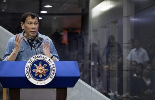 <p>Philippine officials to visit Kuwait amid worker row</p>