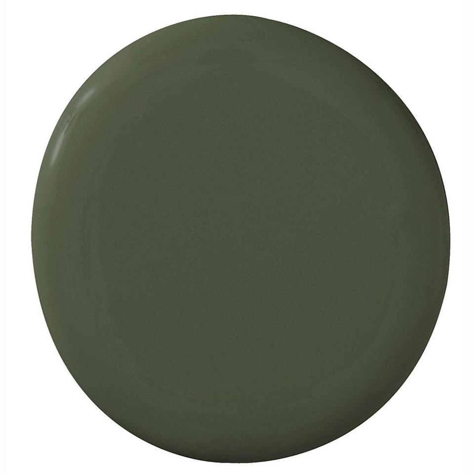 """<p>""""I love this deep green, especially when you are layering in more color for a dramatic look."""" - Sarah Stacey of <a href=""""https://www.sarahstaceydesign.com/"""" rel=""""nofollow noopener"""" target=""""_blank"""" data-ylk=""""slk:Sarah Stacey Design"""" class=""""link rapid-noclick-resp"""">Sarah Stacey Design</a></p>"""